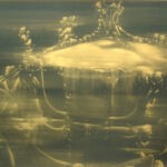 Coach 2 80 x 120 cm gold dust on black sandpaper